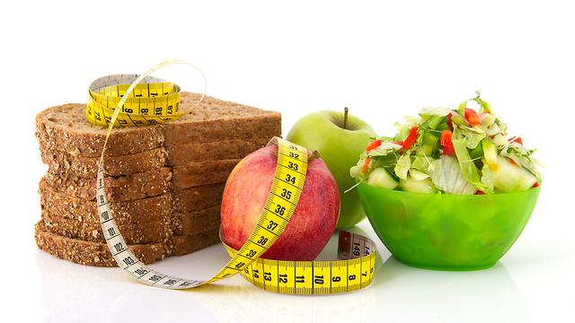 האם תזונה מאוזנת קשורה במשקל? (צילום: shutterstock) (צילום: shutterstock)