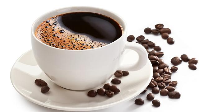 אם כבר קפה אז עדיף בלי חלב. פחות קלוריות (צילום: shutterstock) (צילום: shutterstock)