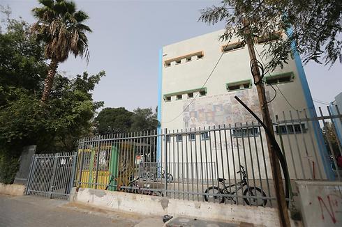 """ביה""""ס תל חי בשכונת כפר שלם בתל-אביב (צילום: ירון ברנר)"""