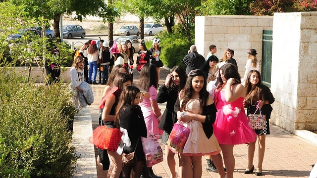 Schools report full turn out for purim parties (Photo: Herzl Yosef)