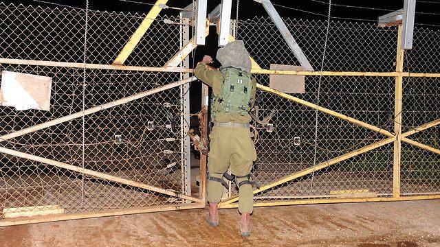 IDF soldier near the Lebanon border (Photo: Avihu Shapira)
