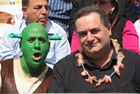 Transporation Minister Katz joins festivities in Holon (Photo: Motti Kimchi)
