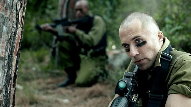 רוי מילר ואמוס איינו. דיוקן של החברה הישראלית (צילום: רועי קרן) (צילום: רועי קרן)