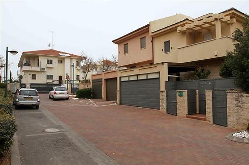 כפר סבא. מחירי הדירות נמוכים בכ-30% מאלה שברמת השרון (צילום: עידו ארז)