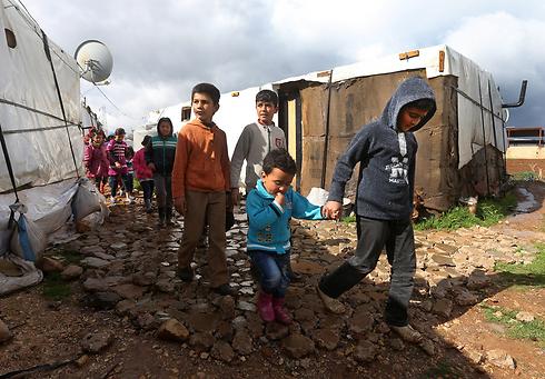 ילדים סורים במחנה פליטים בלבנון (צילום: AP) (צילום: AP)