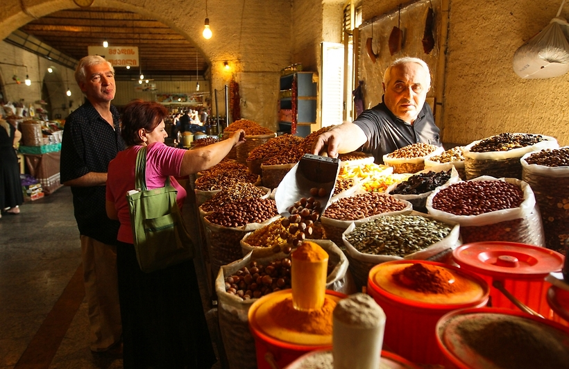 חזקה בשווקים. טביליסי (צילום: shutterstock)