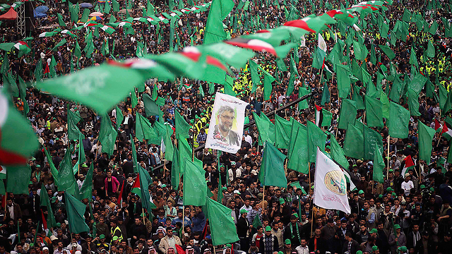 Hamas remembers slain leader Yassin (Photo: Reuters)