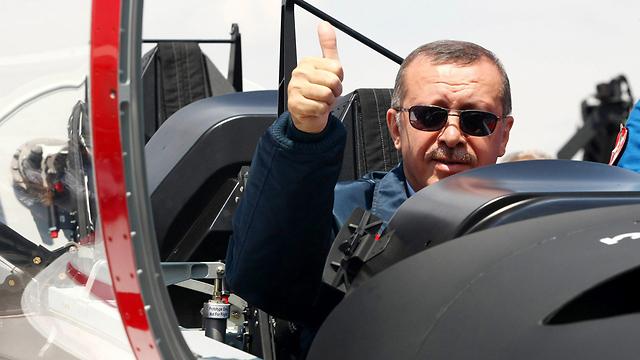 רוצה לחזק את מעמד ארצו בעולם. נשיא טורקיה ארדואן (צילום: AFP) (צילום: AFP)