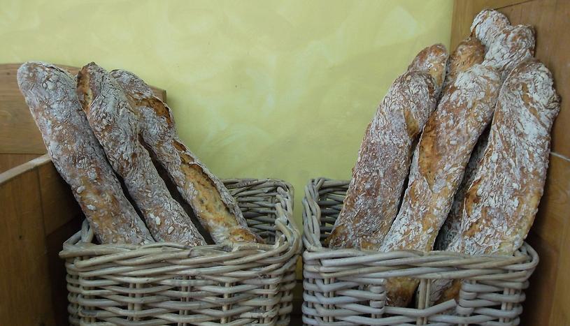 לחם שאור. בית העמק (צילום: אמנון גופר)