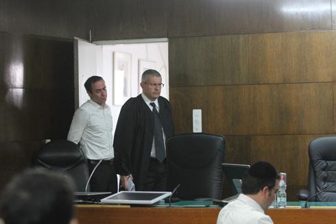 השופט רוזן הבוקר בבית משפט (צילום: עידו ארז) (צילום: עידו ארז)