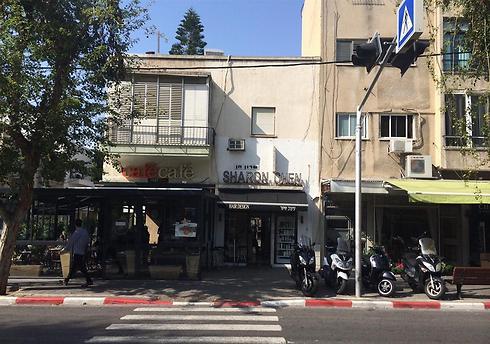 הבניין ברחוב יהודה המכבי שבו יוקם הפרויקט החדש (צילום: רועי בר)