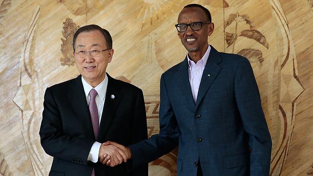 אליטה ישנה? באן קי מון ונשיא רואנדה פול קגאמה (צילום: AFP) (צילום: AFP)