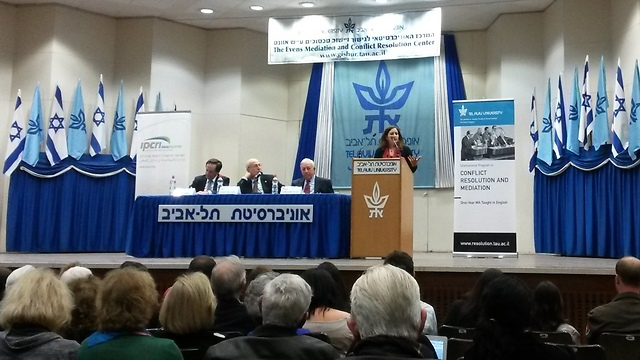 IPCRI-co-director Riman Barakat speaks at Tel Aviv Univeristy (Photo: Margarita Erbach) (Photo: Margarita Erbach)
