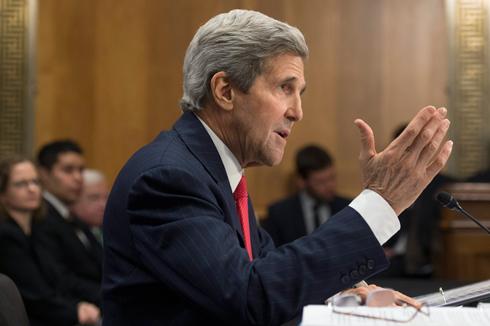 מאשים את ישראל. קרי בוועדת השימוע של הסנאט, היום (צילום: EPA) (צילום: EPA)