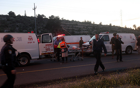 Ambulances after fatal shooting attack near Hebron (Photo: EPA) ((Photo: EPA))