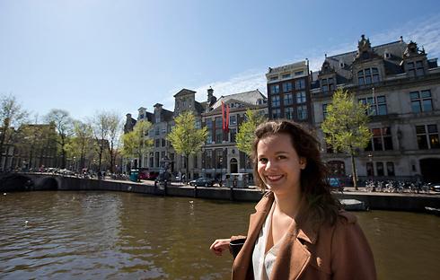 """ואן דר ברג באמסטרדם. """"אי-צדק שלא ניתן להניח לו"""" (צילום: AP) (צילום: AP)"""