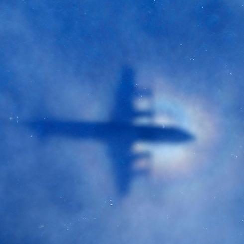 התעלומה כבר בת חצי שנה: איפה המטוס המלזי? (צילום: AP) (צילום: AP)