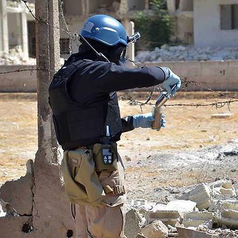 UN inspector near Damascus (Photo: AP)