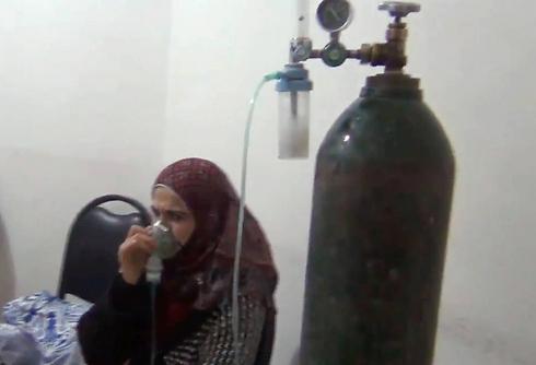 מטופלים בחמצן  (צילום: AP)
