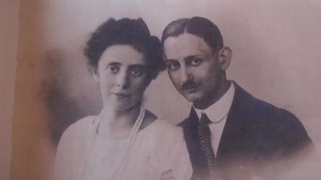 הוריה של אופנהיימר (צילום: AP) (צילום: AP)