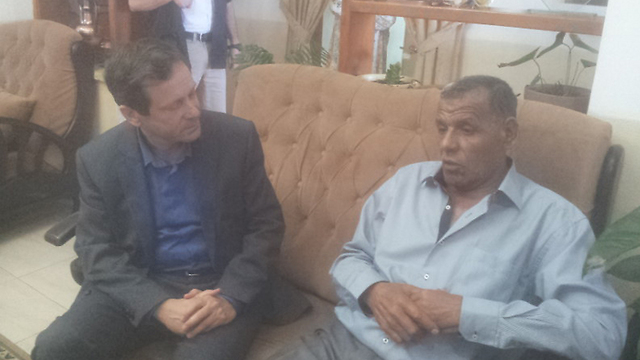 Isaac Hezog and Fureidis council head Yossef Meree (Photo: Hassan Shaalan)