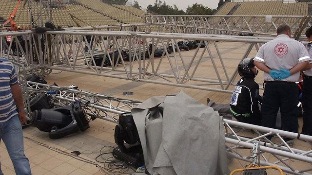 אפריל 2012: זירת האסון בהר הרצל (צילום: כבאות והצלה ירושלים) (צילום: כבאות והצלה ירושלים)