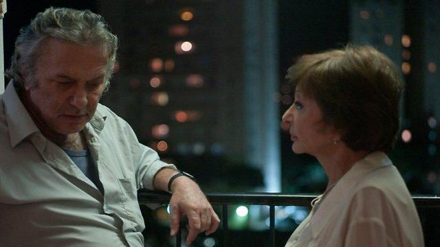 """רבקה מיכאלי עם אסי דיין ב""""ד""""ר פומרנץ"""" ()"""