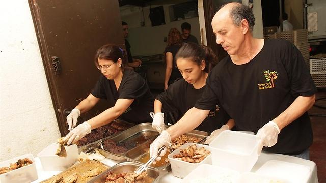 לקט ישראל דואגת לתרומות מזון, ותשמח לתרום את שאריות הקייטרינג שלכם למי שאין לו (קרדיט: מאגר לקט ישראל) (קרדיט: מאגר לקט ישראל)