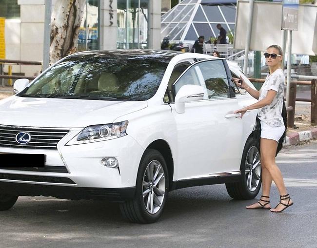Car for publicity (Photo: Lem and Litz Studio)