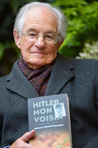 """דודו חיבר ספר שהתחרה ברשימת רבי המכר עם """"מיין קאמפף"""". אדגר פויכטוונגר  (צילום: AFP) (צילום: AFP)"""