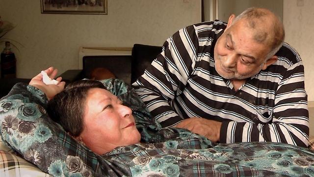 טובה ובעלה גבי. אין לו חיים בלעדיה (צילום: באדיבות הרשות השנייה) (צילום: באדיבות הרשות השנייה)