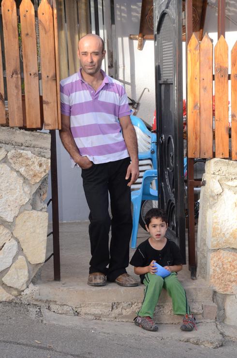 """האיל בוז: """"נמאס לנו, נחנקנו"""" (צילום: מוחמד שינאווי)"""