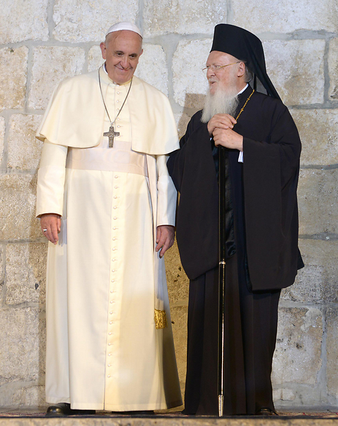 Pope and Orthodox patriarch (Photo: Mark Neuman, GPO)
