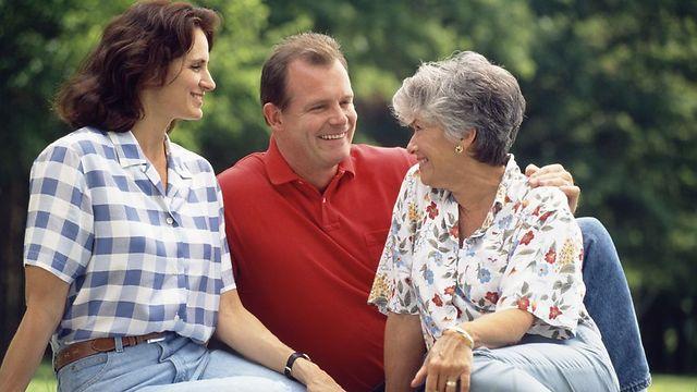 הרמוניה בין האישה, בן הזוג והחמות היא אינטרס משותף לשלושתכם (צילום: jupiter) (צילום: jupiter)