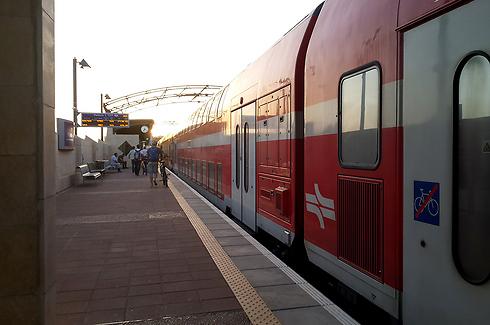 רכבות הדיזל יוסבו לשימוש בחשמל (צילום: רועי צוקרמן) (צילום: רועי צוקרמן)