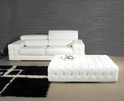 פינת ישיבה לבנה של רהיטי קיבוץ השלושה (צילום באדיבות רשת רהיטי קיבוץ השלושה) (צילום באדיבות רשת רהיטי קיבוץ השלושה)