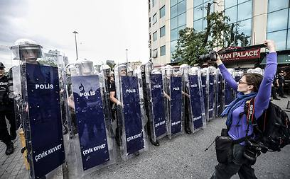 Turkish riot police at Taksim Square (Photo: AFP)