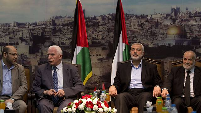 L-R: Palestinian leaders Abu Marzook, al-Ahmad, Ismail Haniyeh and Ahmad Bahar (Photo: AFP)