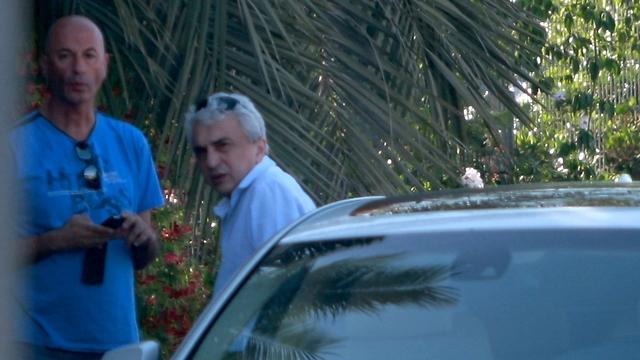 נניקשווילי מגיע לחקירה במשרדי יחידת להב בלוד (צילום: אבי מועלם) (צילום: אבי מועלם)