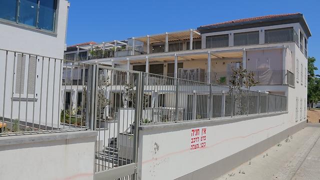 """ביתו של בן-אליעזר (צילום: דנה קופל, """"ידיעות אחרונות"""") (צילום: דנה קופל,"""