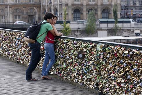 משקל המנעולים הכריע (צילום: AFP) (צילום: AFP)