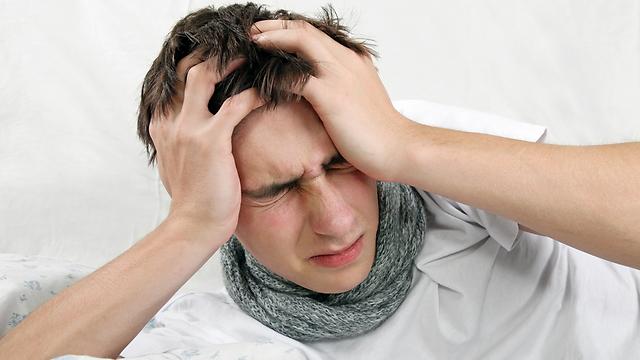 כאשר כאבי הראש מופיעים שבוע לאחר התאונה, כנראה שזו תסמונת בתר חבלתית (צילום: shutterstock) (צילום: shutterstock)