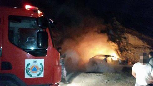 הרכב עולה באש, הלילה ()