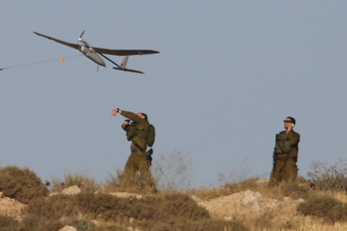 Skylark mini-UAV in action (Gil Yohanan) (Photo: Gil Yohanan)