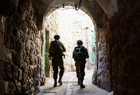 IDF soldiers searching for the missing soldiers (Photo: IDF Spokesman's Unit)