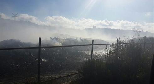 לא לצאת מהבית. השריפה במפרץ חיפה (צילום: דוברות כיבוי והצלה מחוז חוף) (צילום: דוברות כיבוי והצלה מחוז חוף)