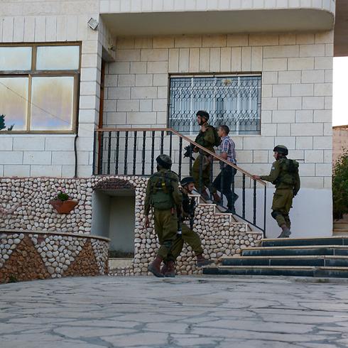 """סורקים מבית לבית בחברון (קרדיט: דובר צה""""ל) (קרדיט: דובר צה"""