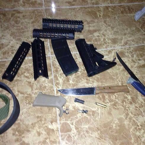 """אמצעי הלחימה שנתפסו בפעולת צה""""ל בשכם  (צילום: דובר צה""""ל) (צילום: דובר צה"""