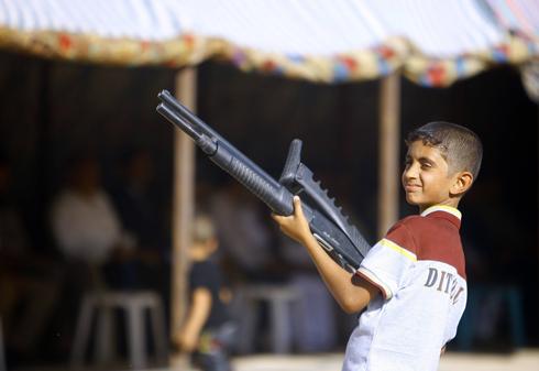 ילדים גם בקרב השבטים השיעים (צילום: AFP) (צילום: AFP)