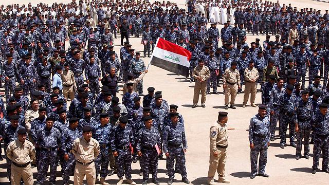 מתנדבים לצבא עיראק למלחמה נגד הקיצונים (צילום: רויטרס) (צילום: רויטרס)